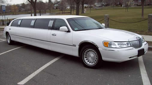 Stretched 10 Passenger Lincoln Limo